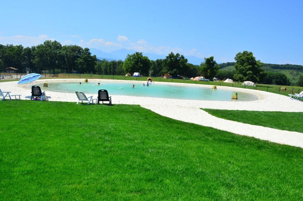 Piscine naturelle lagon   Camping en Ariège 4 étoiles