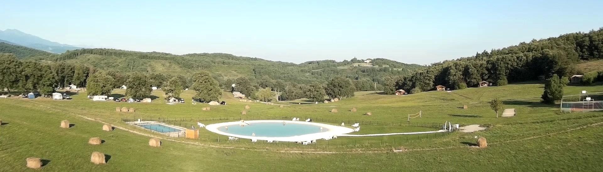 Piscine naturelle lagon | Camping en Ariège 4 étoiles